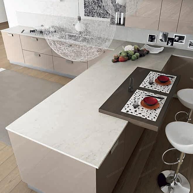 Cucine su misura con penisola for Cucine con isola piccoli spazi