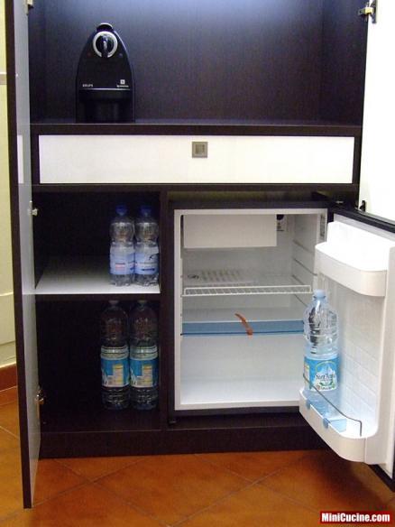 Mini cucina per ufficio, senza lavello