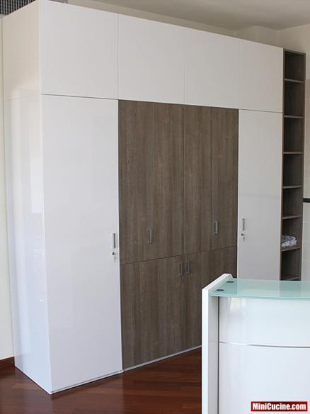 Armadio mini cucine moderne per piccoli spazi - Cucine armadio a scomparsa ...
