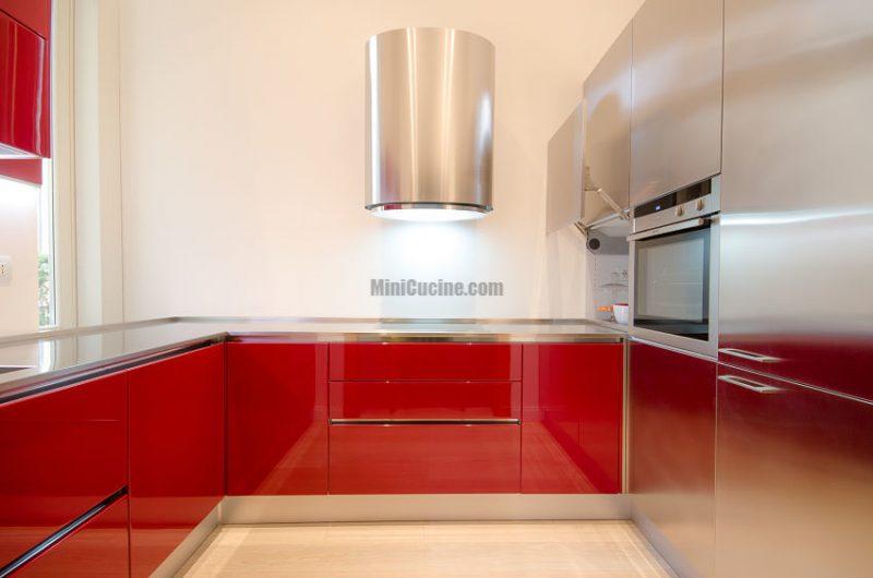 Cucina su misura laccato e metal mini cucine moderne per piccoli spazi - Cucine su misura torino ...