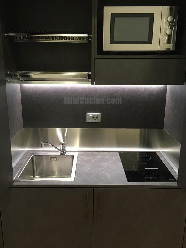 Mini cucina a scomparsa da cm. 124 con illuminazione interna