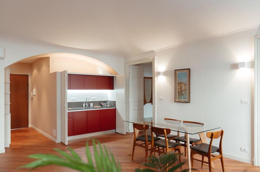 Cucina a scomparsa aperta